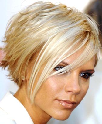 Victoria_beckham_american_idol_judge blond hair Victoria Beckham made a